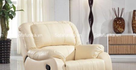 Mẫu sofa thư giãn màu trắng sữa này cũng rất được săn đón ở Funika